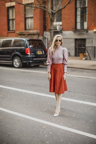 yael steren blogger sweater skirt shoes jewels sunglasses make-up nail polish midi skirt pumps winter outfits