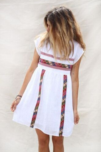 dress white stripes