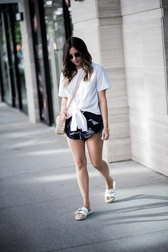 t-shirt tie front t-shirt printed shorts blogger blogger style sliders crossbody bag