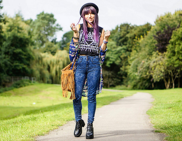 blogger jeans shoes bag top laughin in the purple rain triangle fringed bag