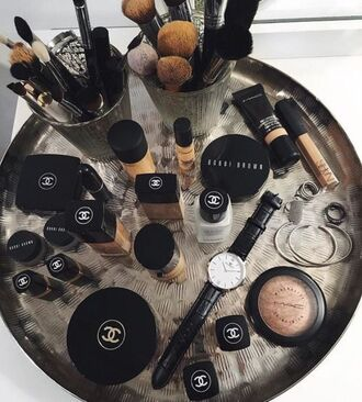 make-up bobby brown chanel daniel wellington watch foundation makeup brushes concealer lipstick