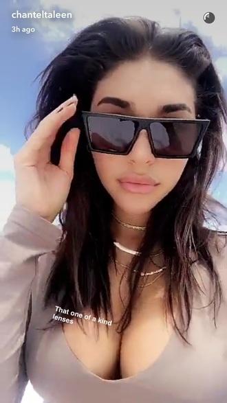 sunglasses chantel jefferies black oversized sunglasses black matte oversized sun glasses jewels jewelry necklace choker necklace gold gold necklace gold jewelry gold choker layered chantel jeffries
