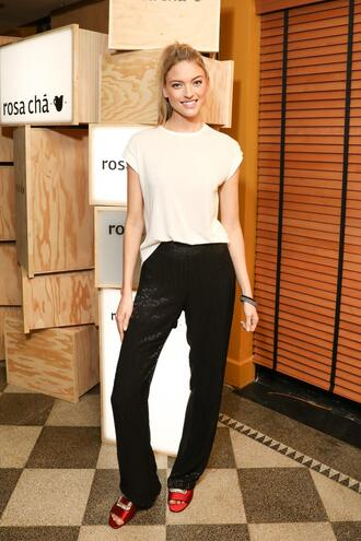 top pants black and white martha hunt model off-duty spring outfits