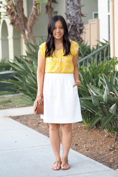 add613253 puttingmetogether blogger top skirt bag shoes jewels yellow top floral top  midi skirt white skirt brown
