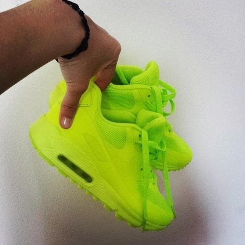 Nike air max neon
