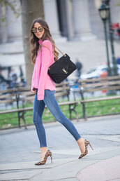 something navy,blogger,jeans,sweater,shoes,bag,sunglasses,turtleneck sweater,ysl bag,animal print high heels,skinny jeans,pink sweater