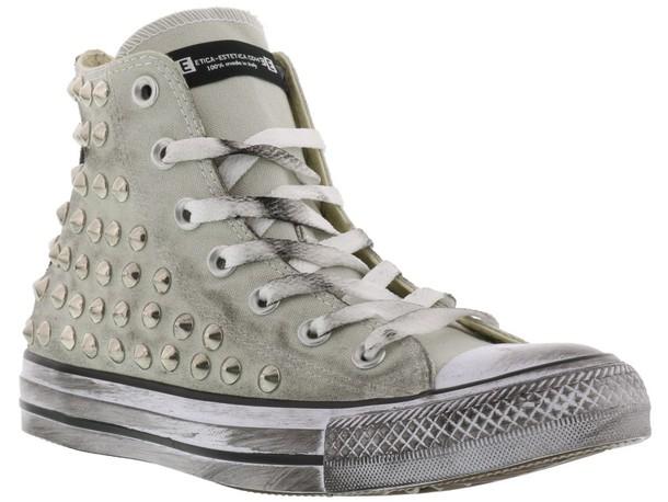 converse grey shoes