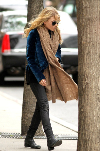 olsen sisters sunglasses jacket scarf jeans