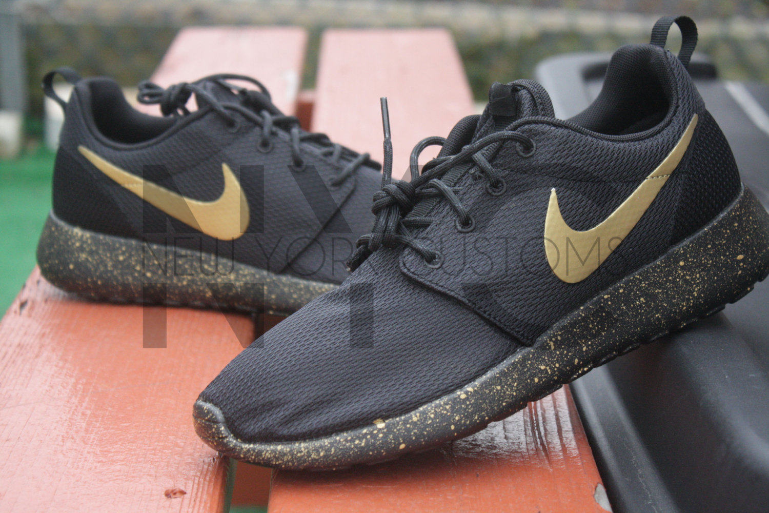 6518d8ac3d37 wtkghi Roshe One Run Black Gold Splatter Speckled Custom Women   Men ...