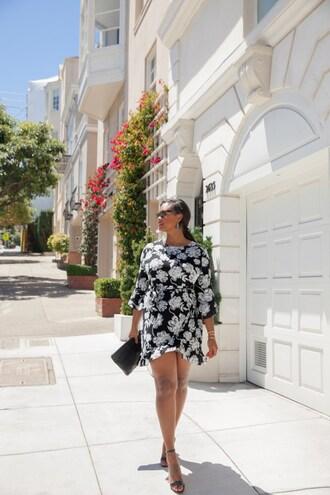 the lipstick giraffe blogger dress jewels shoes bag sunglasses make-up clutch sandals high heel sandals summer outfits