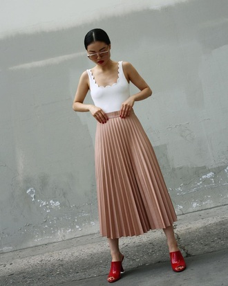 skirt midi skirt pink skirt pleated skirt pleated top white top shoes