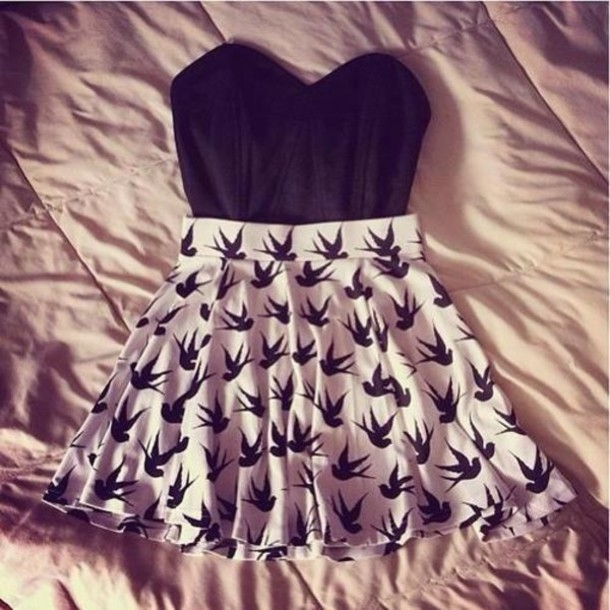 skirt birds skater skirt corset top black high waisted skirt white strapless top dress cute beige birds back girl casual lovely like t-shirt shirt tank top black birds white skirt swalow nude clothes black and white top pattern style preppy fashion outfit summer outfits h&m