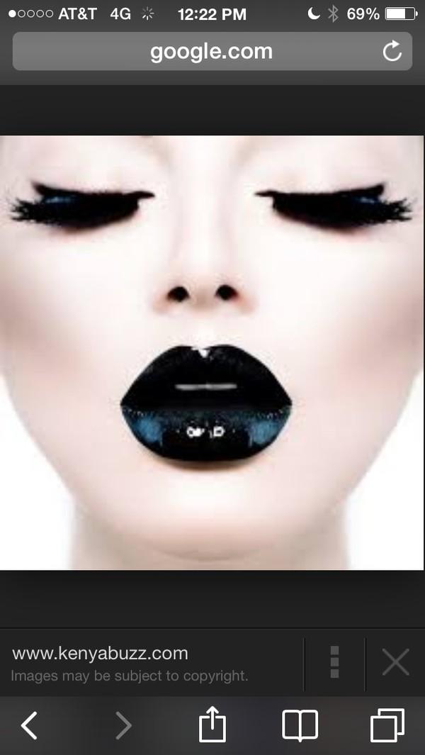 make-up dramatic! bold! makeup