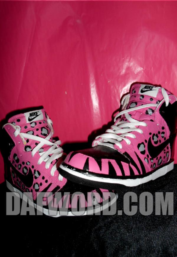 shoes nike leopard print pink black nike dunks nike dunk high tops