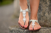 shoes,sandals,silver,shiny,glitter,diamonds