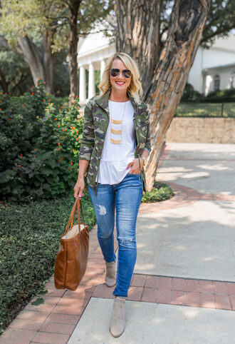 t-shirt peplum tee camo jacket skinny jeans distressed denim blogger blogger style army green jacket suede booties tote bag