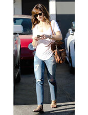 minka kelly,t-shirt,shoes,bag,jeans,accessories,sunglasses,shirt