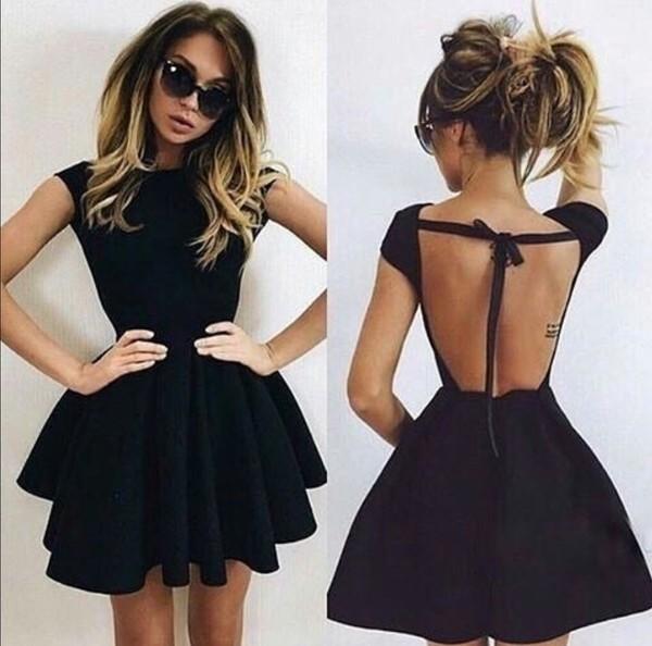 Платье с открытой спиной короткое