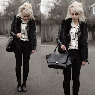 sammi jackson blogger shirt leggings black jacket black bag fur scarf black and white checkered