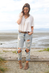 styling my life,blogger,top,jeans,shoes,sunglasses,jewels,ripped jeans