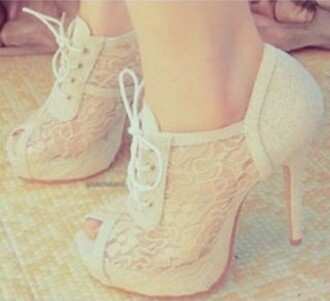 shoes beige white lace beautiful beautiful heels beautiful shoes high heels