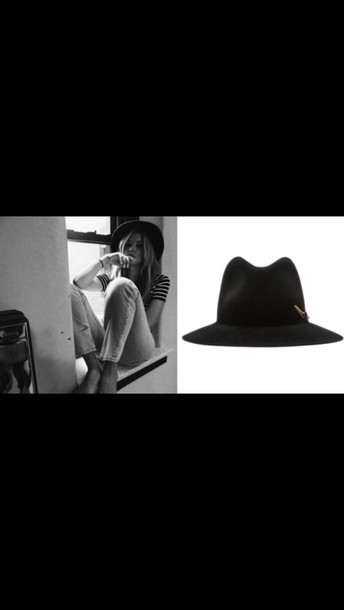 hat ashley benson