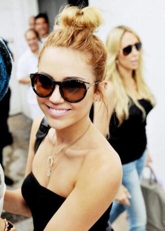summer outfits black beach sunglasses miley cyrus shopping cat eye