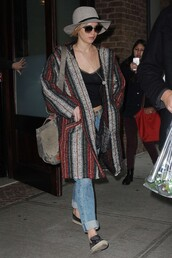 coat,jennifer lawrence,fall outfits,shoes,hat,sunglasses