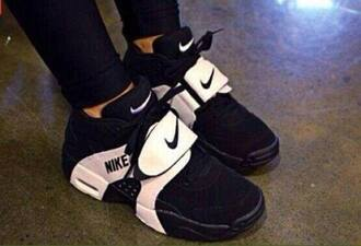 shoes nike black and white fashion nike running shoes nike air nike free run nike sneakers nike sweater balck white lovely pepa girly dress