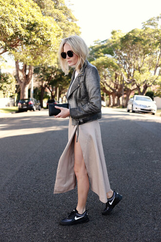 brooke testoni blogger grey jacket perfecto slit dress