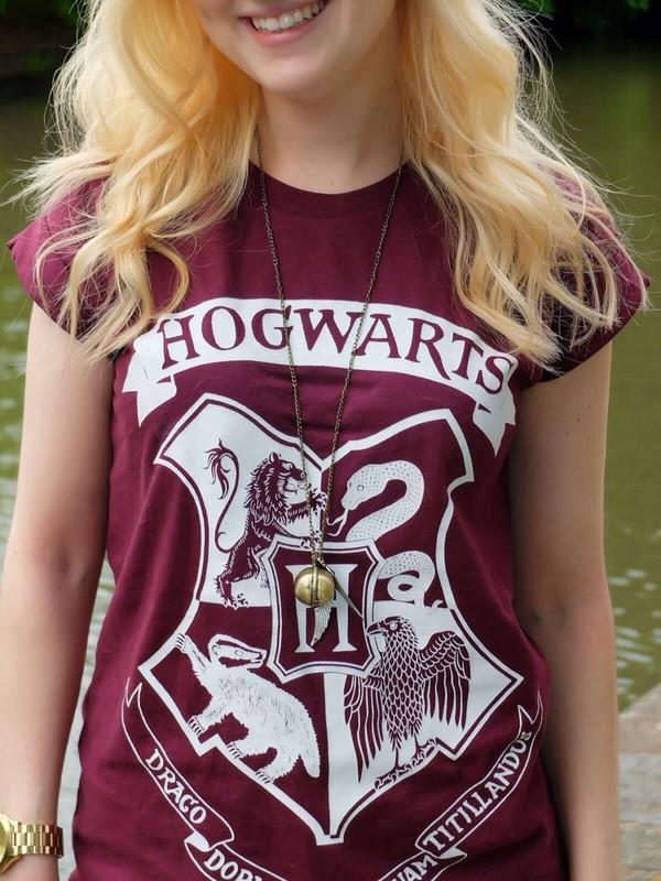shirt harry potter hogwarts hufflepuff ravenclaw gryffindor slytherin burgundy