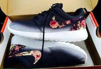shoes nike nike free nike roshe flowers blumen pik pretty white black ombre cool best