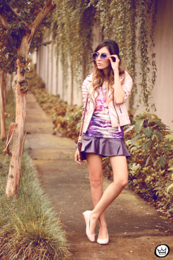 fashion coolture t-shirt jacket skirt jewels sunglasses