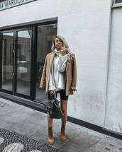 sweater,turtleneck sweater,oversized,shorts,boots,backpack,sunglasses,coat