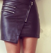 skirt,black skirt,leather skirt,asymmetrical,zipped skirt