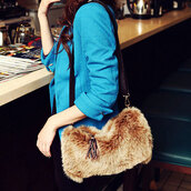bag,shoulder bag,hairy,warm,brown