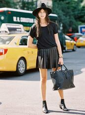 skirt,pleated skirt,leather,leather skirt,hat,black,all black everything,boots