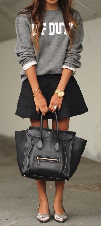 shirt grey sweater sweater call of duty jewels bag black bag black skirt purse sweatshirt grey jumper winter outfits party classy black skirt platform shoes nude high heels heels big bag winter sweater streetwear style streetstyle sexy skinny denim mini skirt nude high heels watch skater skater skirt hot cute fashion socks