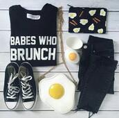 bag,fashion,converse,egg,egg fashion,brunch,graphic tee shirt,dark jenes,dark jeans