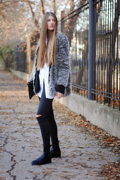 yuliasi blogger fluffy grey coat ripped jeans