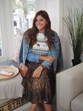 fashion foie gras,blogger,skirt,jacket,jewels,leopard skirt,denim jacket,fall outfits
