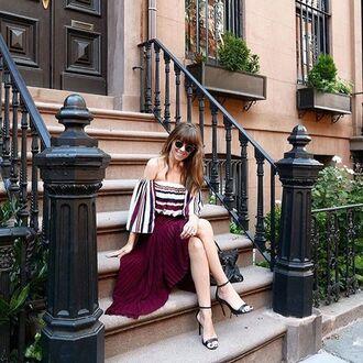 top off the shoulder summer fashion blogger storets summer outfits summer top fashion vibe