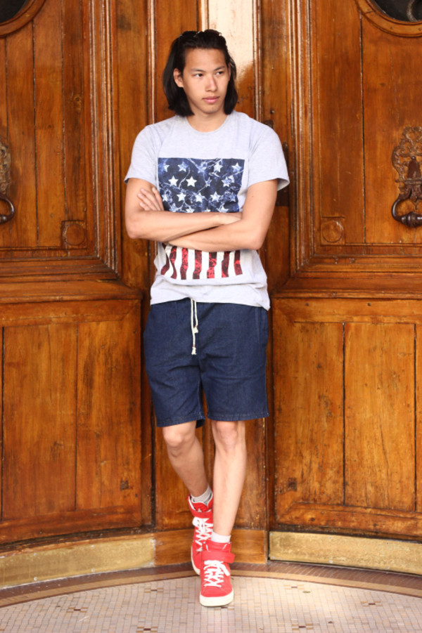mahayanna blogger t-shirt shoes