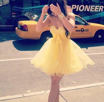 Discount 2014 New Yellow Sweetheart Short Homecoming Dresses Crystal Sequins Ruffle Backless A-line Graduation Party Cocktail Dress Cheap Custom Made Online with $107.86/Piece | DHgate