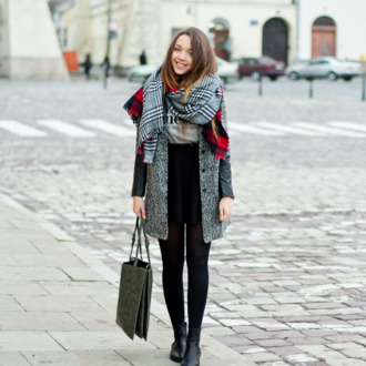 scarf tote bag blogger grey coat kolorowa dusza white t-shirt