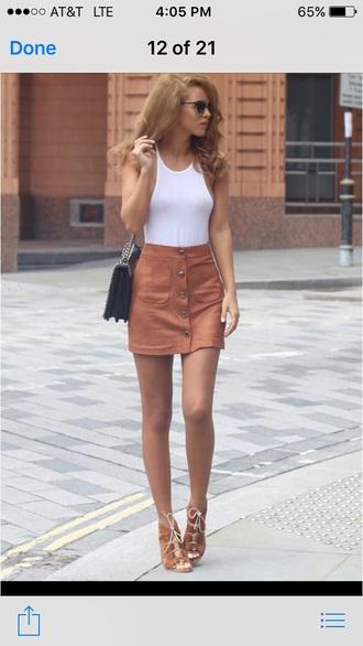 skirt brown tight white sleeveless tank top tan suede skirt black heels
