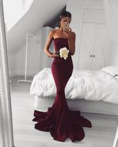 dress,mermaid prom dress,mermaid,strapless,strapless dress,burgundy dress,strapless mermaid dress,strapless mermaid,exactly the same dress ,same dress,red dress,red,floor length dress,mermaid dresses