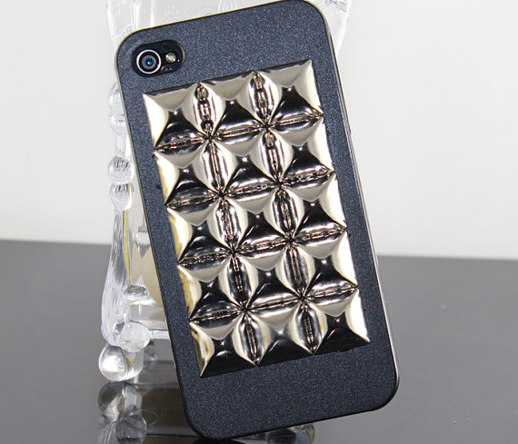 Silver large pyramid studs black hard case cover par beautyandluck
