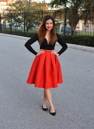 raspberry jam blogger midi skirt red skirt black top v neck