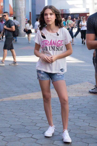 t-shirt shorts millie bobby brown sneakers denim shorts